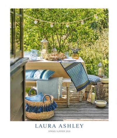 Designer Cushion Cover in Laura Ashley Magnolia Grove Duck Egg Bleu Tissu