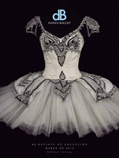 0 3 R E V I S T A D E C O L E C C I ó N Danza Ballet